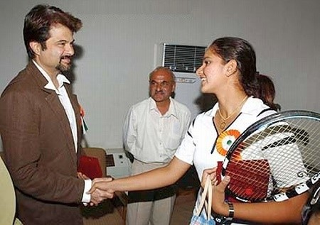 Sania Mirza meeting Indian actor Anil Kapoor at her school