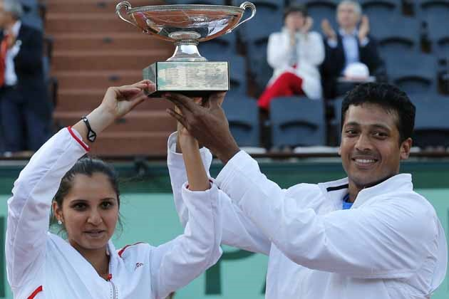 Sania Mirza and Mahesh Bhupathi after winning the Mixed Doubles title at French Open