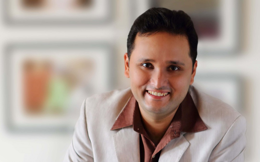 Career Story of Amish Tripathi, the Admirable Author