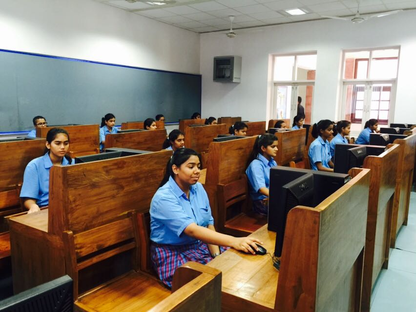 career counselling event in Mody School, Laxmangarh