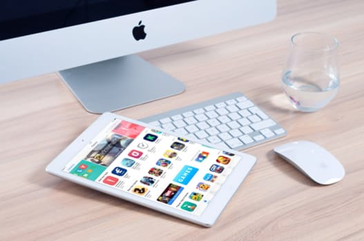 Role of apps and web services in contemporary education