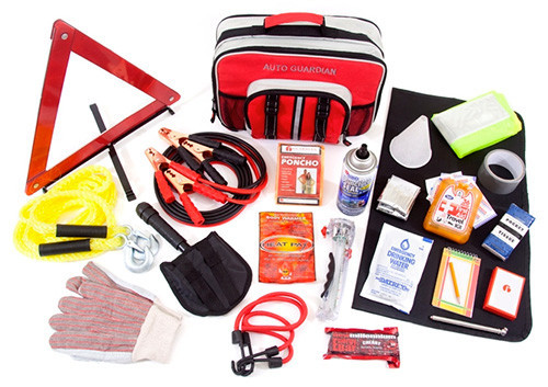 What To Pack In Your Emergency Car Kit