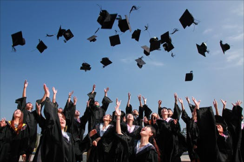 How to Get a College Degree Without Being Buried in Debt